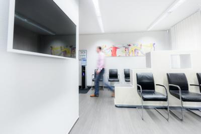 Orthopädie Bonn - Klippert, Mies, Sippel - unsere bequemen Stühle in der Praxis